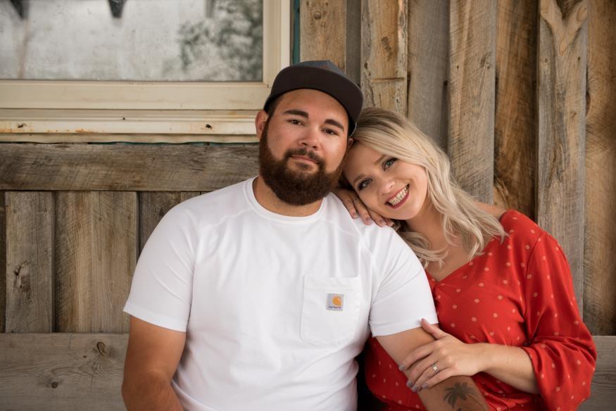 Ashlee and Kolten Odle Engagement Photo