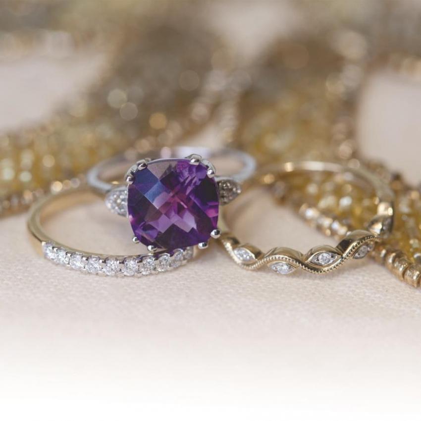 Riddle's Jewelry Vendor Photo