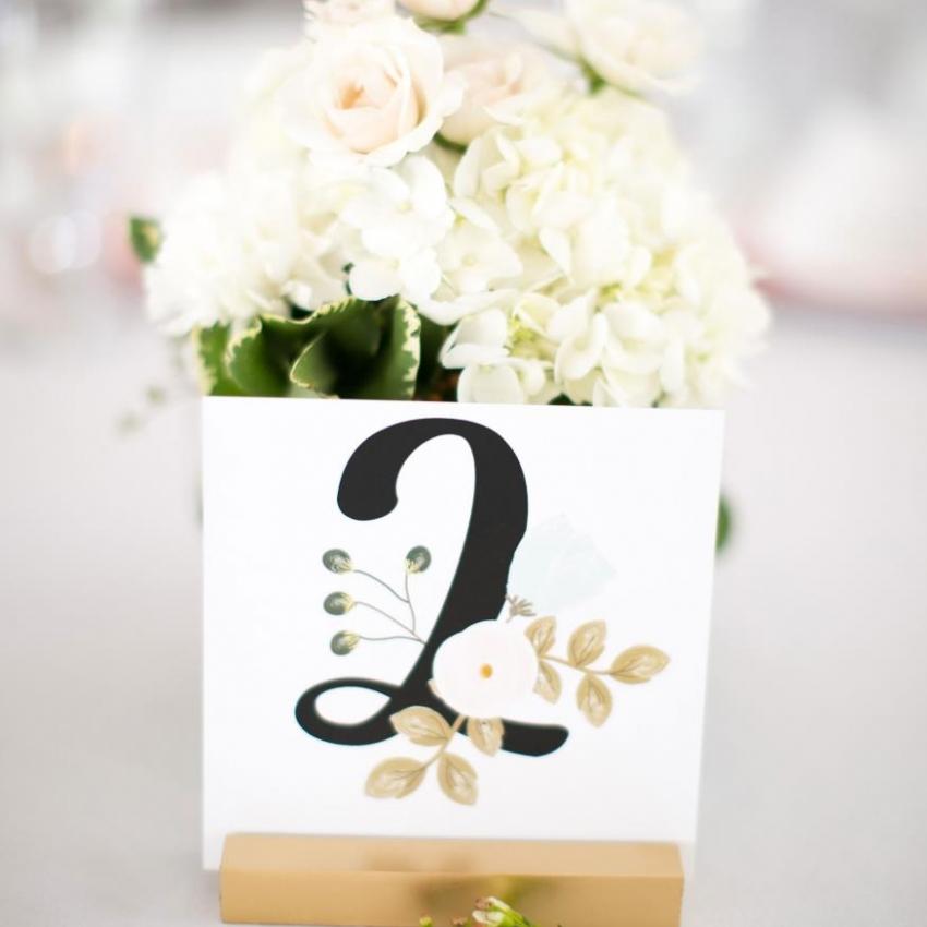 Roots Wedding Florals Vendor Photo