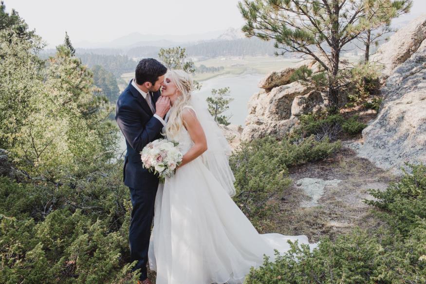 Sarah and Zach Schweinsberg Wedding Photo