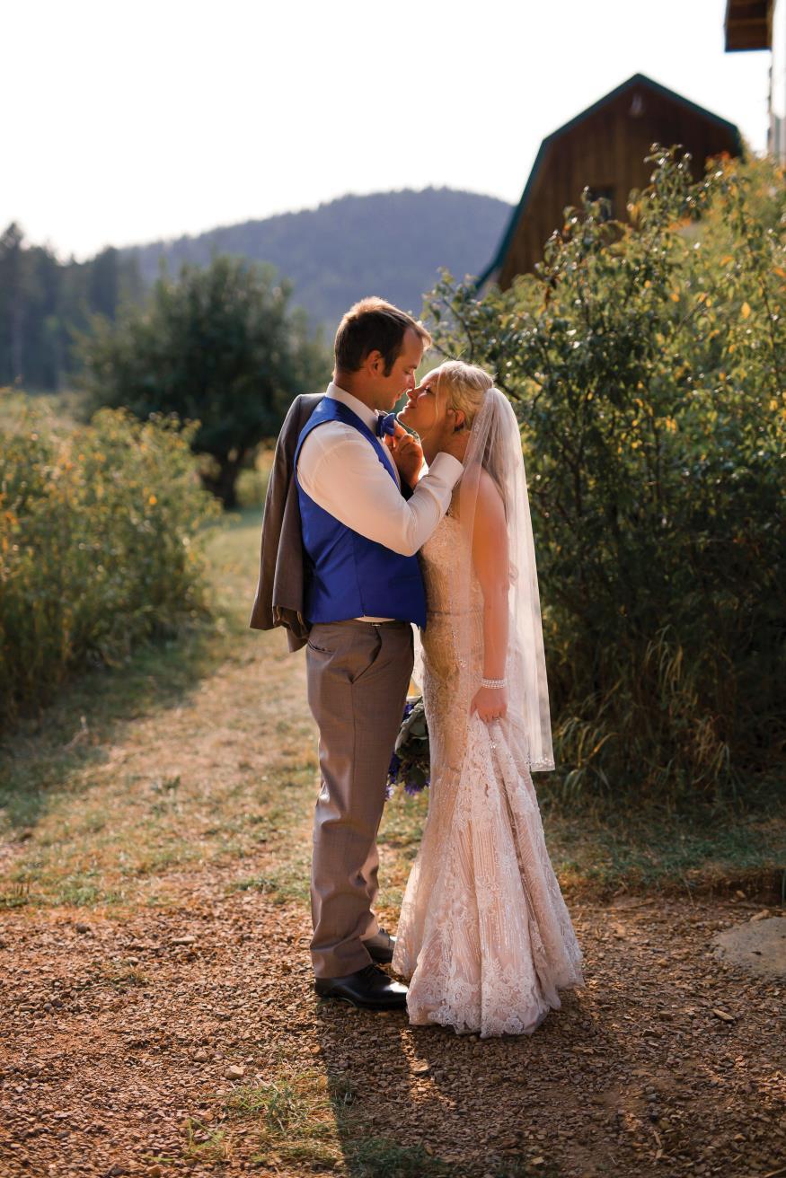 Hannah and James Manzano Wedding Photo