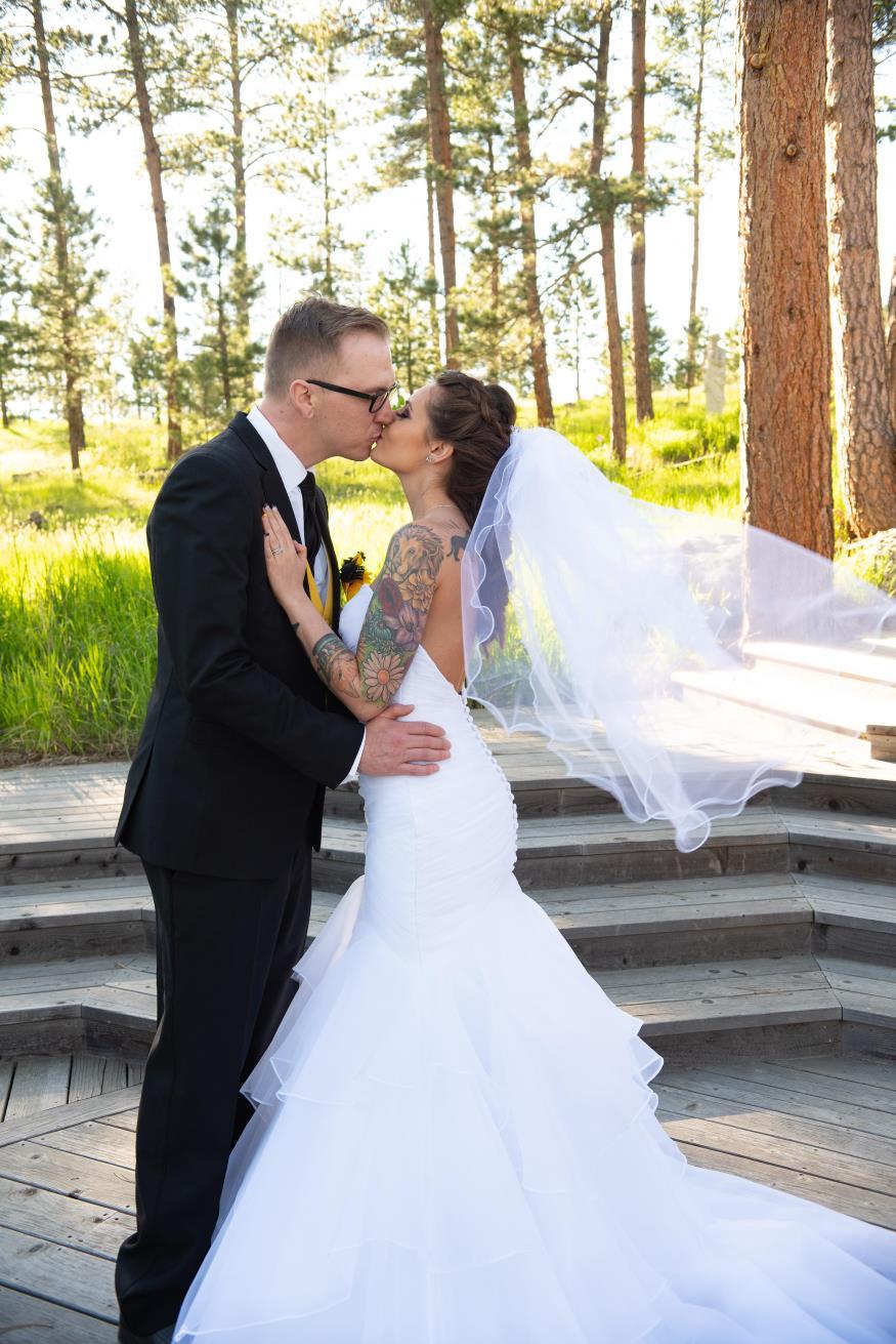 Jada and Dustin Eggen Wedding Photo